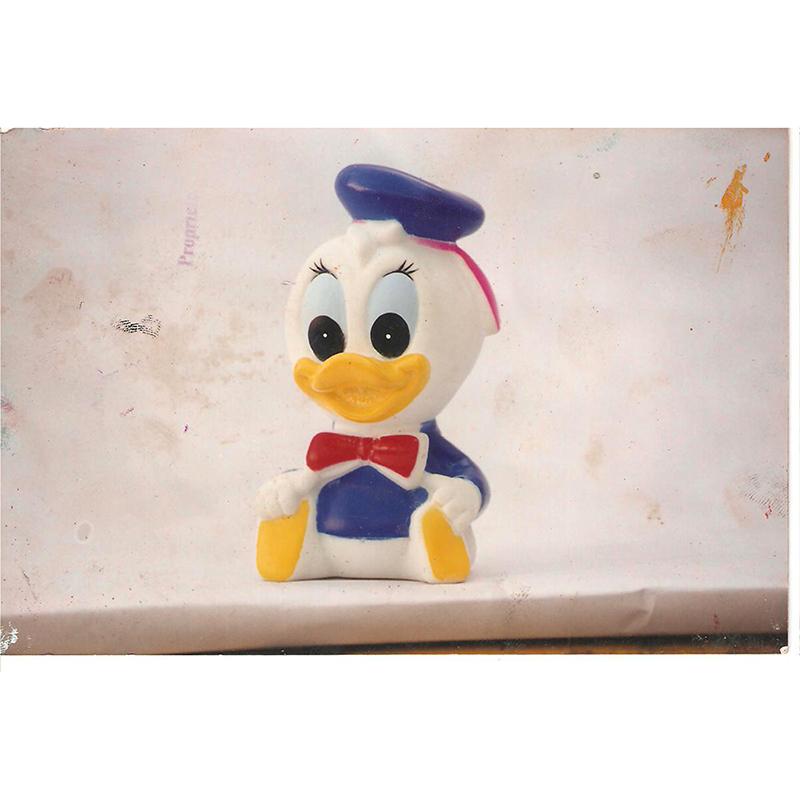 Donald Duck Sculptur...