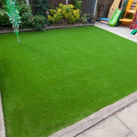 Artificial Grass Green per sq feet
